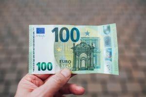 Quelles solutions pour contester des frais bancaires efficacement