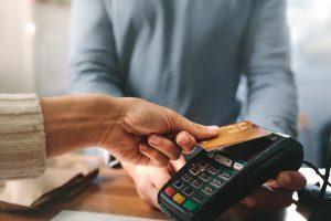 Une banque en ligne sans revenu minimum, est-ce que ça existe ?