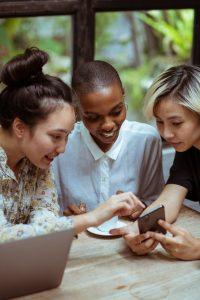 Privilégiez le Wi-Fi et les applications gratuites